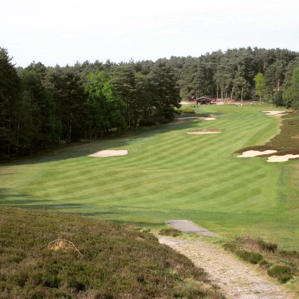 The great Hole 10 on the old course of Sunningdalehellip