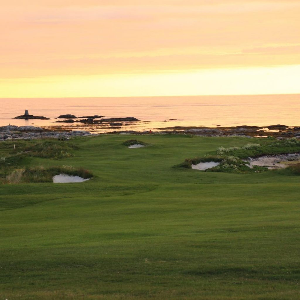 Lofoten Golf Links Norway Golfing at midnight golf golfcourse instagolfhellip