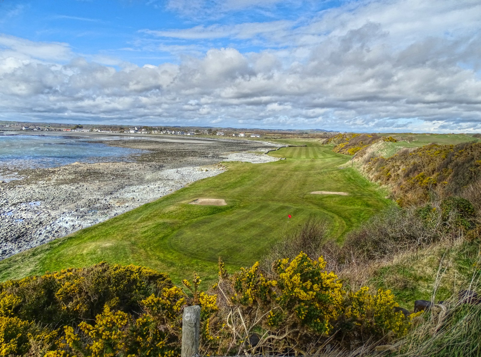 Ardglass Golf Club, Loch 11: Castle Stuart light