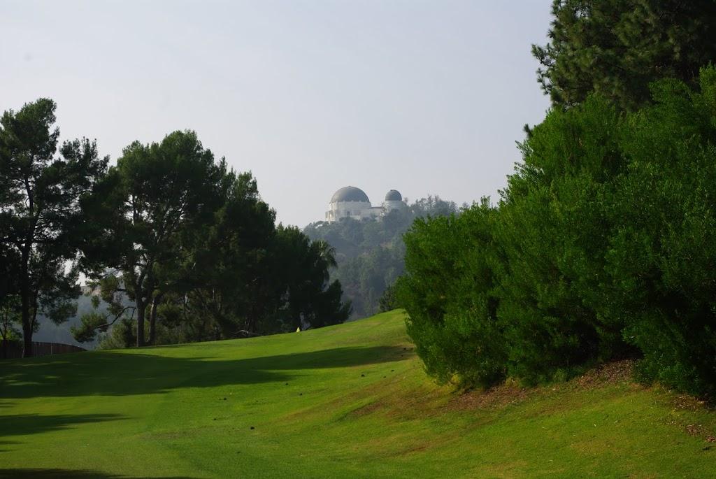 Blick über das Fairway der 8 auf das Observatorium
