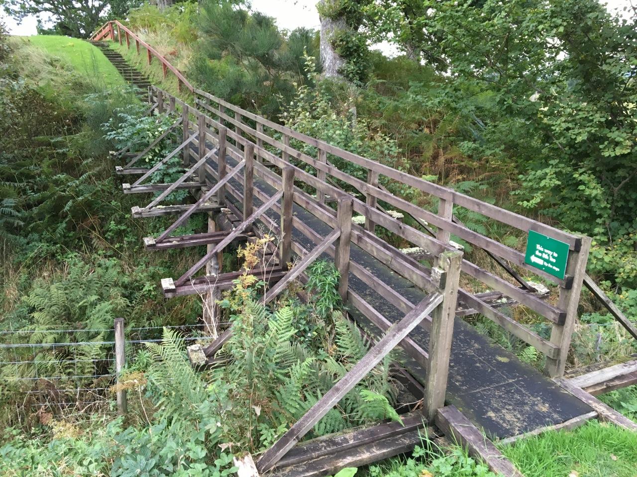 Die Brücke zum Abschlag der 8