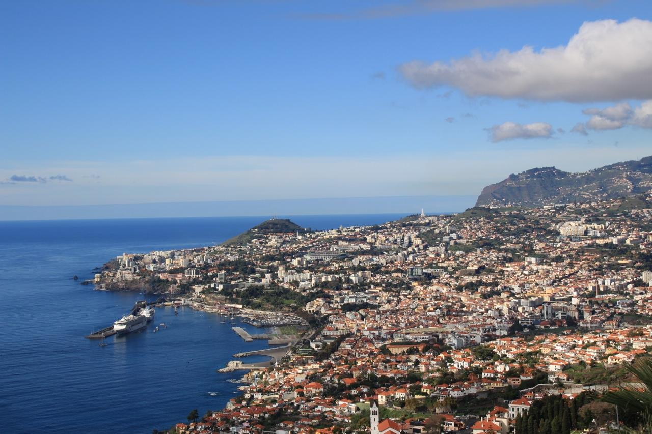 Blick auf den Hauptort Funchal