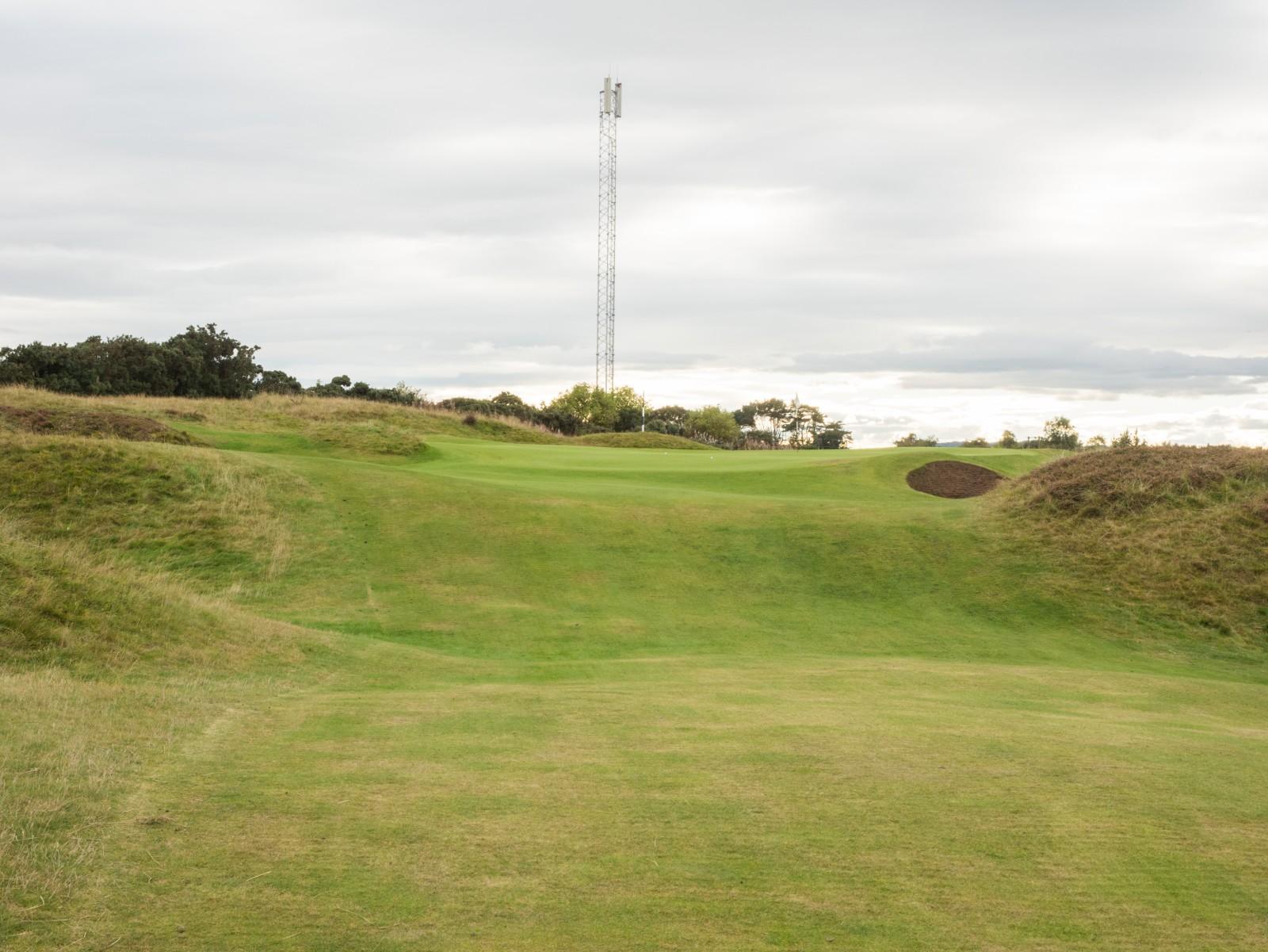 Loch 6, das Hogan Hole im Panmure Golf Club: Ben empfahl den Bunker am Grün