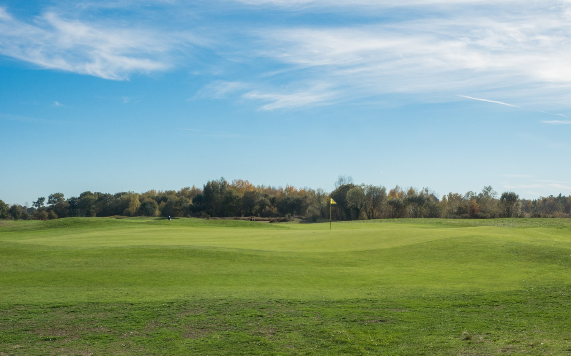 Ondulierte Grüns in Golf du Médoc