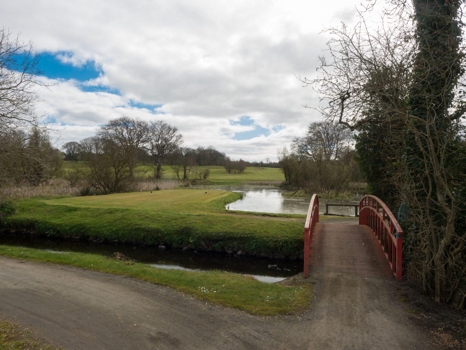 Grace Hill, Loch 9