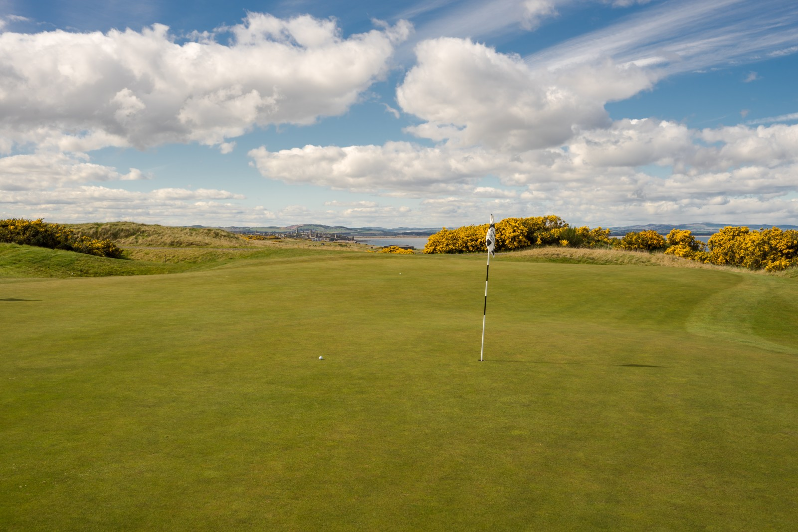 Torrance Course Loch 11
