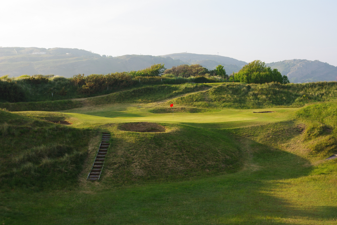 North Wales GC - Loch 17