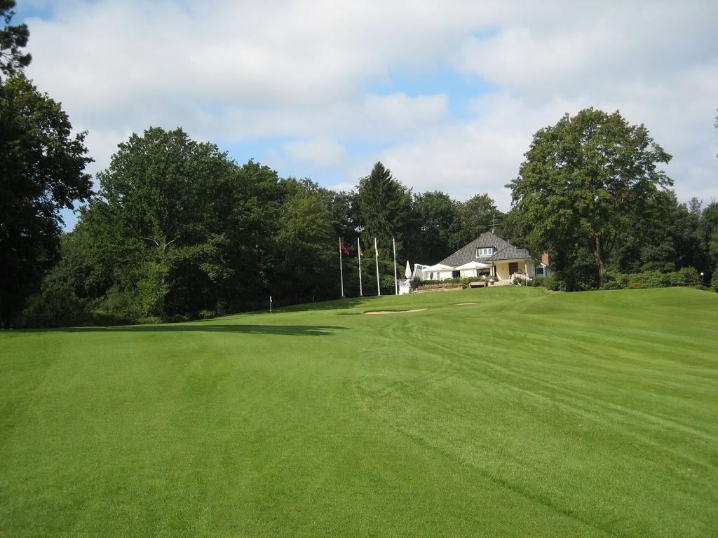 Blick aufs Clubhaus