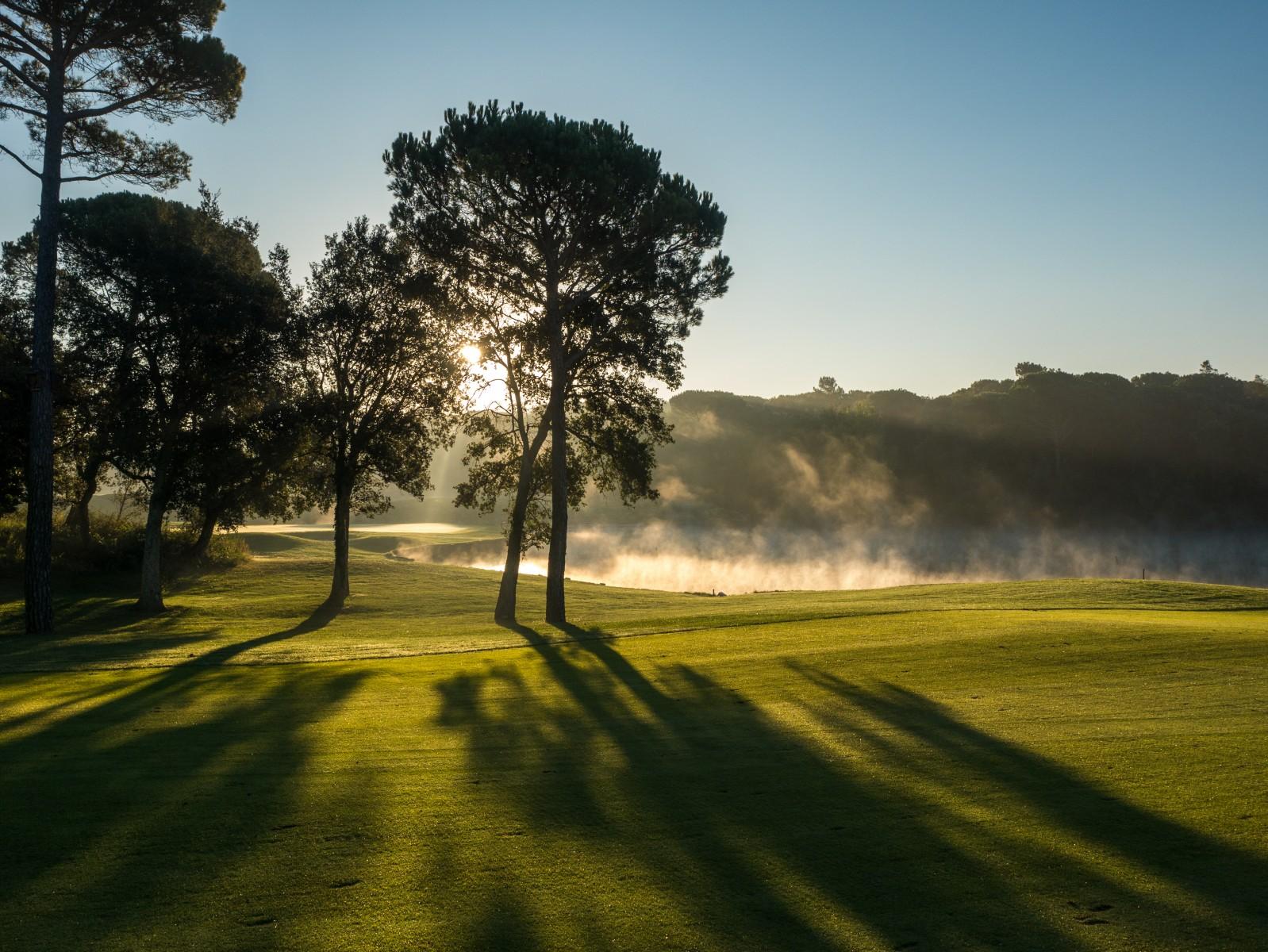 PGA Catalunya Stadium Course: Morgenidyll an Loch 3